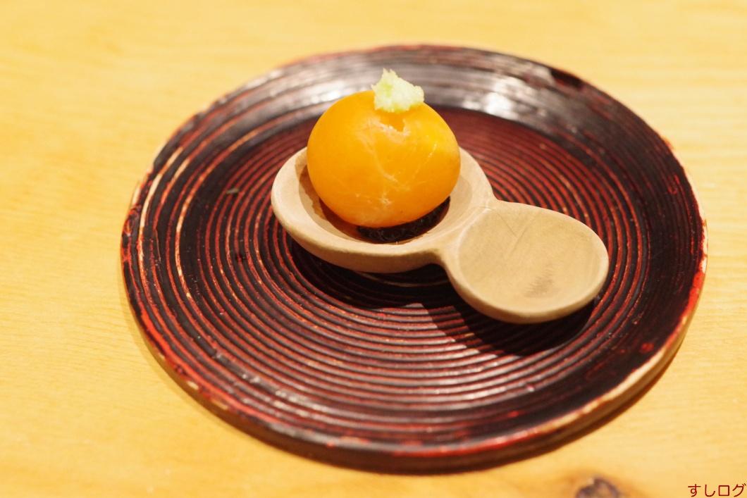 先付:高原比内地鶏金柑の燻製