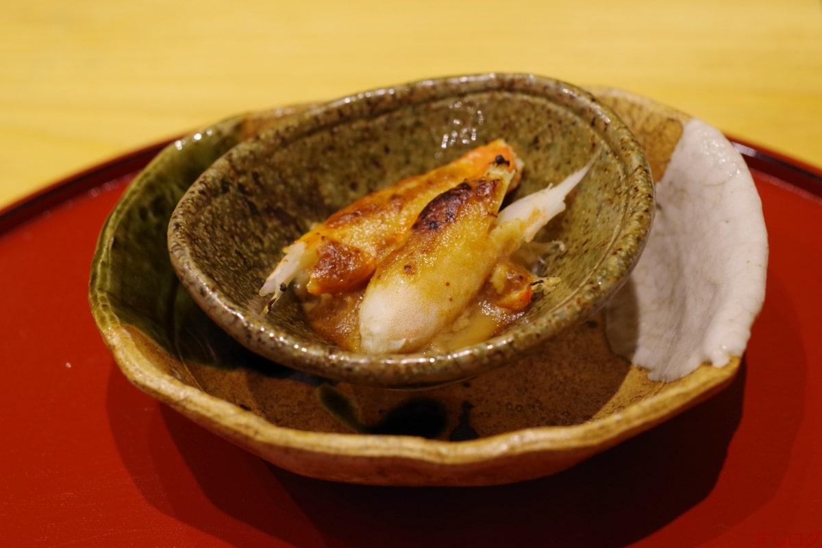 蟹の赤味噌焼き