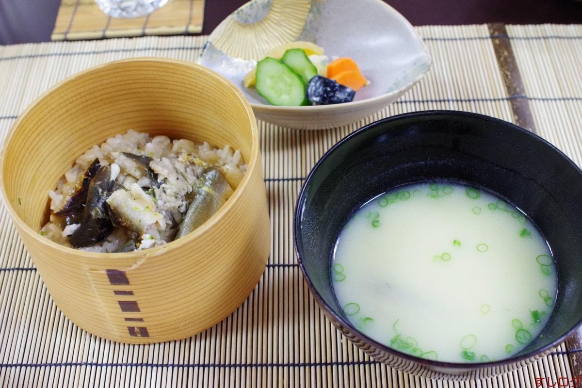 美加登家お食事:鮎めし、稚鮎の白味噌仕立て、香の物