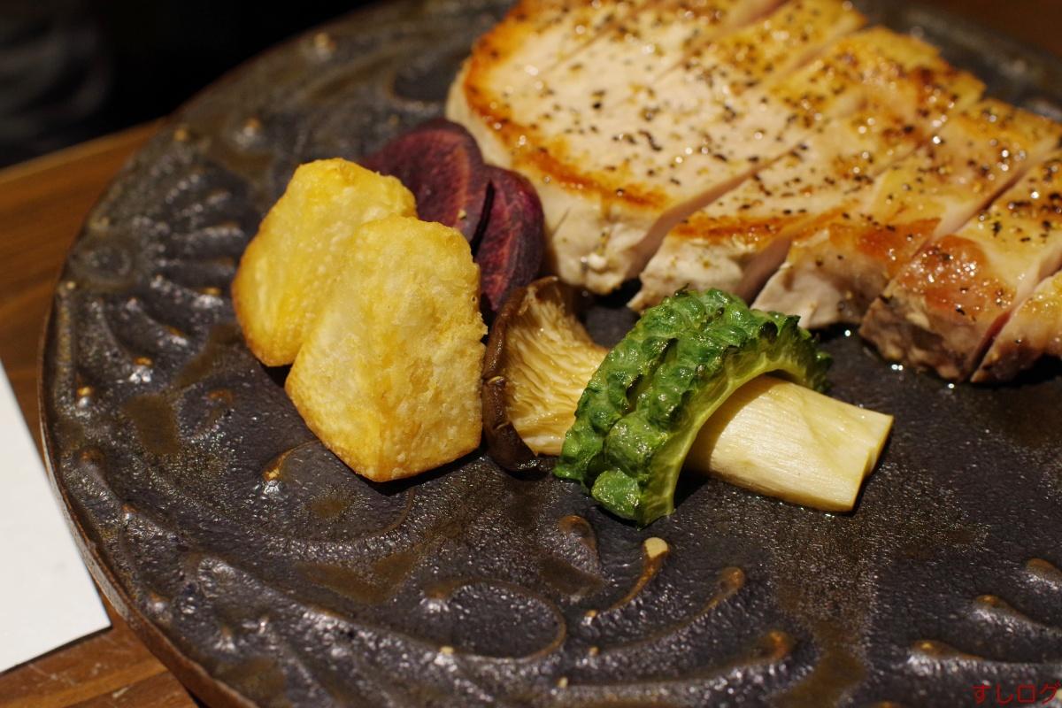 沖縄県産きびまる豚ロースソテー付け合わせ