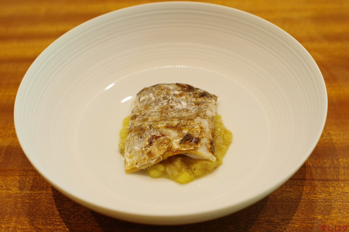 AKAI太刀魚、焼き茄子のソース01