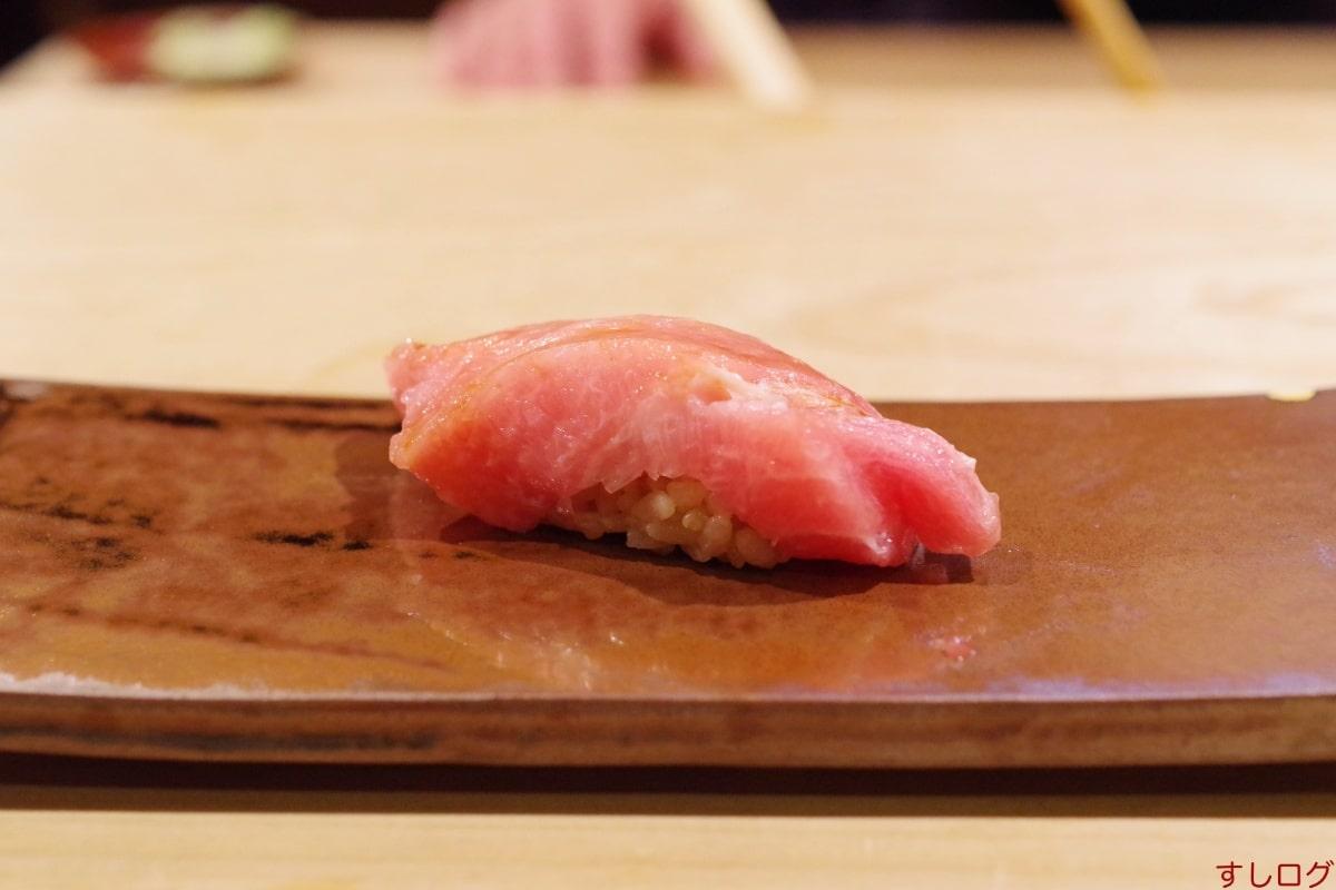 鮨渥美鮪大トロ